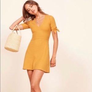 Reformation Sarah Dress in sunflower xxs